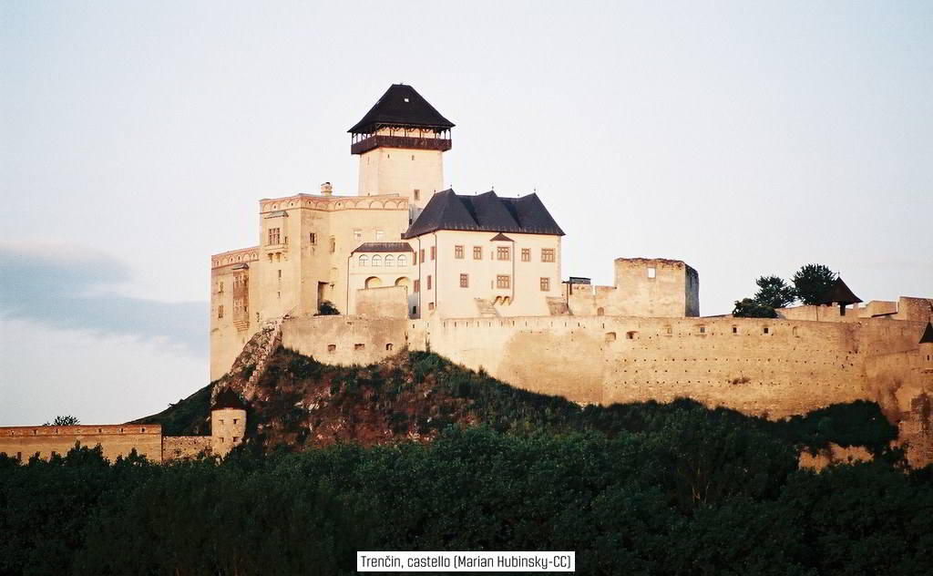 homeslide_Trencin, castello (Marian Hubinsky-CC-BY) 1024px